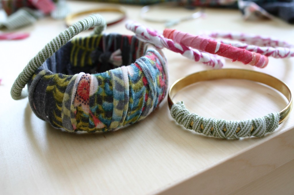 {DIY} t shirt bracelets  jewelry eco friendly eco chic DIY craft