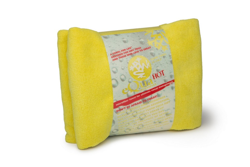 Hot_Towel_Hand_Glow_In_Packaging_Angled